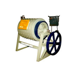 Ball mills grind rice hull ash into powder