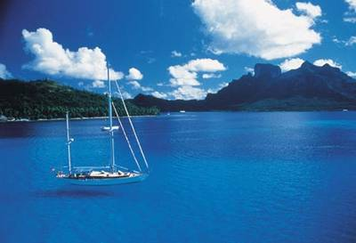 How many reasons do you need to live or vacation in a tropical paradise like Tahiti?